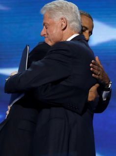Former President Bill Clinton delivered a rousing, rollicking speech in Charlotte and an impassioned plea for Americans to vote for President Barack Obama – 'a man cool on the outside but burning for America on the inside'. Black Presidents, American Presidents, First Black President, Former President, Michelle Obama, Presidente Obama, Barack Obama Family, Celebs, Queen