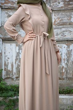 Modest Fashion Hijab, Abaya Fashion, Muslim Fashion, Modest Outfits, Casual Dresses, Fashion Dresses, Mode Abaya, Abaya Designs, Prom Dresses With Sleeves