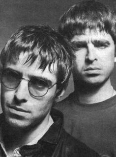 Image uploaded by Infinite. Find images and videos about oasis and live forever on We Heart It - the app to get lost in what you love. Lennon Gallagher, Liam Gallagher Oasis, Noel Gallagher, Oasis Music, Liam And Noel, Oasis Band, Britpop, Important People, Best Rock