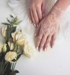 Latest Christmas White Henna Designs 2016-2017