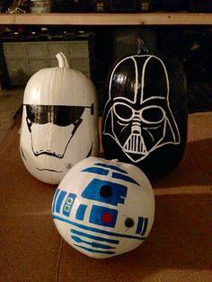 Star Wars painted pumpkins Disney Halloween, Star Wars Halloween, Theme Halloween, Fall Halloween, Halloween Crafts, Halloween Decorations, Halloween Festival, Halloween Ideas, Decoration Star Wars