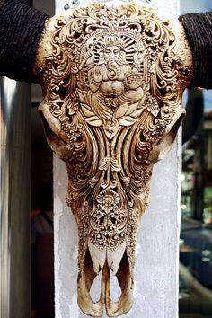 Cráneos de Búfalos Tallados