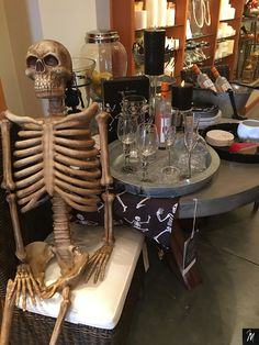 Halloween, Table Settings, Table Top Decorations, Halloween Stuff, Place Settings, Desk Layout