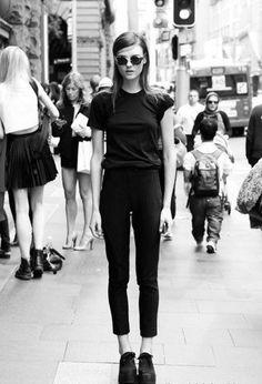 Simpel black street style
