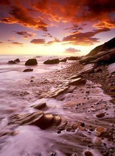 Scenery/Outdoors:Sunset along the coast of Santa Barbara, CA  #SantaBarbaraHoliday