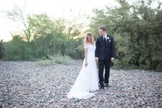 Scottsdale Backyard Wedding | Bride and Groom Poses and Beautiful Light!  Sadie Such Photography and Films