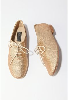 Glitter Oxfords by Deena & Ozzy. Lately I have this fetish for gold, glittery stuff.