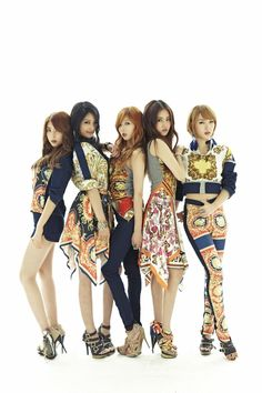 Nam Ji-hyun, Heo Ga-yoon, Jeon Ji-yoon, Kim Hyun-a, and Kwon So-hyun ★ Sehun, Exo, Kpop Girl Groups, Korean Girl Groups, Kpop Girls, 4 Minutes Kpop, 2ne1, Kpop Fashion, Asian Fashion