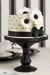 Simple and adorable black and white c#wedding cake.