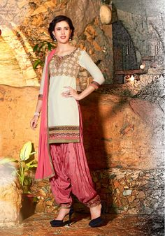 Cream & Peach Unstitch Cotton Suit With Chiffon Dupatta Ladies Salwar Kameez, Patiala Salwar Suits, Cotton Salwar Kameez, Salwar Suits Online, Shalwar Kameez, Punjabi Suits, Cotton Suit, Indian Fashion, Chiffon
