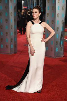 BAFTA 2016. Julianne Moore in Armani Couture