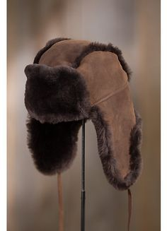 Crafted in genuine sheepskin double-faced from Spanish Merino sheep, this soft, protective hat gives you the premium insulation of sheepskin wool. Western Hats, Cowboy Hats, Cossack Hat, Trapper Hats, Winter Accessories, Castaño Chocolate, Hats For Women, Fur Hats, Taxidermy