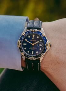 Benrus Watch, Navy Blue Background, Watch Model, Timeless Beauty, Vintage Watches, Seiko, Quartz Watch, Watches For Men, This Or That Questions