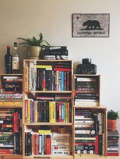 books and stuff Book Aesthetic, Aesthetic Bedroom, Decoracion Habitacion Ideas, Dream Library, Home Libraries, New Room, Book Nerd, Room Inspiration, Bookshelves