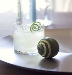 The Gimlet. See how it's made plus 6 other chic cocktails every girl should know. #Cocktails #recipe #bartending