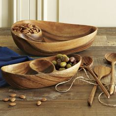 Scandinavian carved wood serveware from West Elm Wooden Plates, Into The Woods, Wood Bowls, Wooden Kitchen, Wooden Crafts, Gravure, Wood Turning, Wood Art, Decorating Kitchen