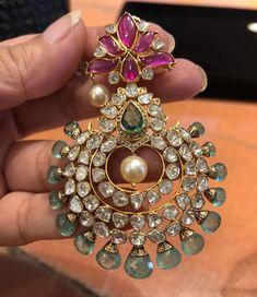 Indian Jewelry Earrings, Jewelry Design Earrings, Gold Earrings Designs, Gold Jewellery Design, Cartier Jewelry, Boho Jewelry, Jewelry Necklaces, Gold Jewelry Simple, Just In Case