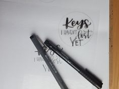 Letter Lovers schreibfieber: Anleitung geletterte Schlüsselanhänger mit Schrumpffolie - beschriften