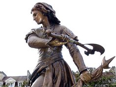 Medieval Women Warriors | This is a statue of Jeanne Hachette of Beauvais. In 1472, she rallied the town defenders against the Burgundian army.