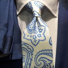 #BespokeAthens : #Blue and #Whie