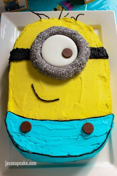 Get ideas for your Minion Birthday Party with everything from food, decor, cake and games! Halloween Birthday, 2nd Birthday, Birthday Parties, Birthday Cakes, Birthday Ideas, Halloween Face, Minion Pumpkin, Minion Banana, Minions Funny Images