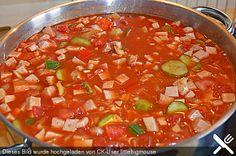 Solyanka à la RDA - recette - Essen und Trinken - Salade Pizza Recipes, Crockpot Recipes, Soup Recipes, Vegan Recipes, Dinner Recipes, Pumpkin Recipes, Cheesecake Recipes, Rda, Guisado