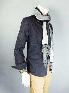 アフォーダブル: ブラックタイト&スリムフィットシャツ (4,980円以上送料無料)