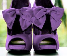 violete...Of Course... I LOVE this color :)