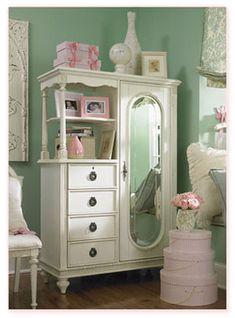 white vintage furniture <3