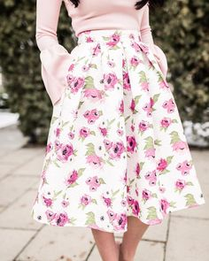 Who else is obsessed with the feminine florals on the RP Classic Skirt in Floral Bloom? 🙋🏻🙋🏻🙋🏻 This beautiful skirt will be off in our… Modest Wear, Modest Dresses, Modest Outfits, Skirt Outfits, Modest Fashion, Dress Skirt, Cute Outfits, Spring Summer Fashion, Spring Outfits