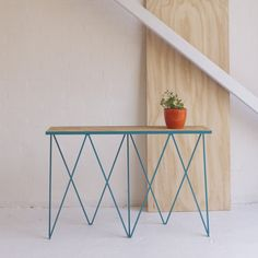 Giraffe console table in turquoise #andnewfurniture