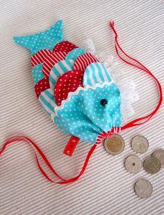 Fish purse ryba etui portmonetka 'created by BB' zodrobinytkaniny.blogspot.com Bb, Purses, Christmas Ornaments, Create, Holiday Decor, Handbags, Christmas Jewelry, Christmas Decorations, Purse