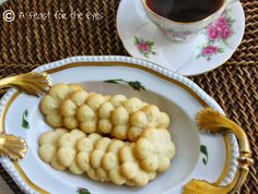 A Feast for the Eyes: Spritz Cookies/Swedish Butter Cookies