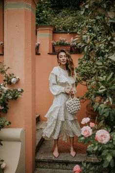 The woven bag, whether ropes or fishnet, is the only handbag you need this summer and here are all the different ways you can last with it until fall.
