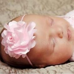 Bring some cuteness to your baby girl's collection of hair accessories with the addition of this Blooming Pink Flower Skinny Headband for Babies! With the display of a larg... #handmade #etsy #bighairbows #overthetop #boutique #babygirl #1stbirthday #babyclothes #hairbows #baby-flower-headbands ➡️…
