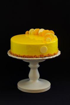 На курсах Николя Пьеро в программе не было Медовика, но мне безумно хотелось рецепт. Ведь Медовик любимый торт у моих мальчишек,…