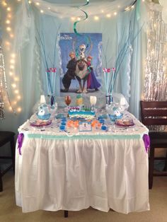 Frozen birthday party decor