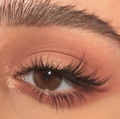 Elongated cat eye makeup inspiration thread shesfarout eyemakeupnatural elongated cat eye makeup inspiration thread shesfarout 25 wunderschne augen make up tutorials fr anfnger ab 2019 anfanger augen make upmorenas tutorials wunderschone Cat Eye Makeup, Natural Makeup Looks, Eye Makeup Tips, Skin Makeup, Makeup Inspo, Eyeshadow Makeup, Beauty Makeup, Simple Eyeshadow, Colorful Eyeshadow