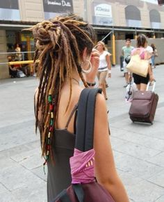 Long Dreadlocks, half updo for dreads, natural, street fashion Pelo Rasta, Rasta Girl, Estilo Hippie Chic, Beautiful Dreadlocks, Pretty Dreads, Dreads Girl, Rasta Dreads, Dreadlock Rasta, Dreadlock Beads