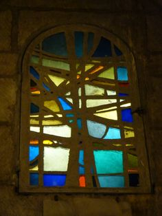 Poitiers. St Porchaire. Modern glass | Flickr - 相片分享! Mosaic Windows, Stained Glass Windows, Faceted Glass, Fused Glass, Mosaic Glass, Glass Art, Christmas Window Display, Christmas Decorations, Cathedral Windows