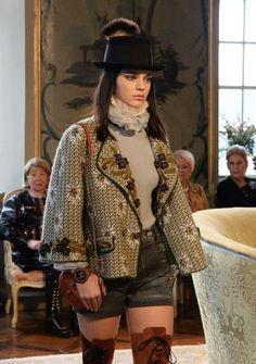 Chanel voller Landlust – Eine Hommage an die österreichische Tracht. Mehr dazu hier: http://www.nachrichten.at/nachrichten/society/Chanel-voller-Landlust-Hommage-an-Oesterreich;art411,1551134 (Bild: APA)