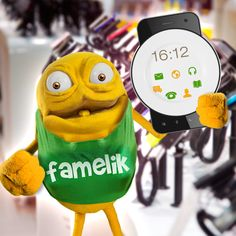 Vi piace il mio nuovo telefonino? Ha lo schermo piatto! #Gggwfddlahh