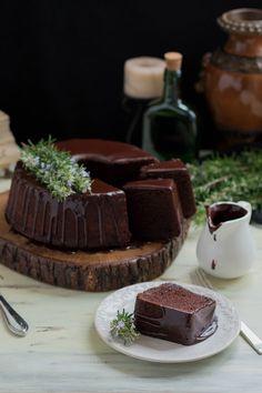 Pınar's Desserts: Çikolatalı Tarçın Kokulu Kek ve Çikolata Glaze Cupcakes, Homemade Desserts, Feta, Cocoa, Tart, Panna Cotta, Cheesecake, Chips, Food And Drink