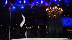 The London 2012 Olympics have ended with a spectacular musical closing ceremony and the official handover to the next host city, Rio de Janeiro.