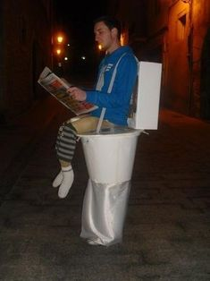 DIY Toilet Halloween Costume for adults too funny! #Creative