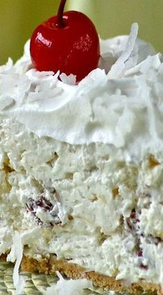 Creamy Classic Millionaire Pie /this is a variation without cherries