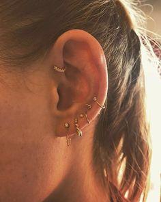 77 Ear piercing ideas for Women. Cute and Beautiful Ear piercing Ideas. Helix Piercings, Bijoux Piercing Septum, Pretty Ear Piercings, Ear Peircings, Forward Helix Piercing, Double Piercing, Piercing Tattoo, Unique Piercings, Forward Helix Earrings