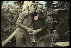 44 Vintage Photos of Gay Men in Acts of Love Vintage Couples, Cute Gay Couples, Couples In Love, Vintage Men, Vintage Photographs, Vintage Photos, Hugs, Lgbt History, Adopting A Child