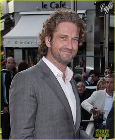 Gerard Butler looks sharp as he arrives at the 2012 Cannes Film Festival on Saturday (May in Cannes, France. The Scottish actor attended the White House Dawn party held at Baoli Beach. Hot Actors, Handsome Actors, Actors & Actresses, Hot Scottish Men, Scottish Actors, London Has Fallen, Paisley Scotland, Lara Croft Tomb, The Ugly Truth