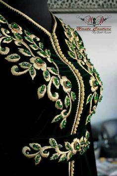 Berkania Ilham's media statistics and analytics Morrocan Dress, Moroccan Caftan, Kurti Embroidery Design, Embroidery Fashion, Mode Abaya, Stylish Dress Designs, Couture Details, Caftan Dress, Indian Designer Wear